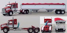 DCP red wh Kenworth 33961