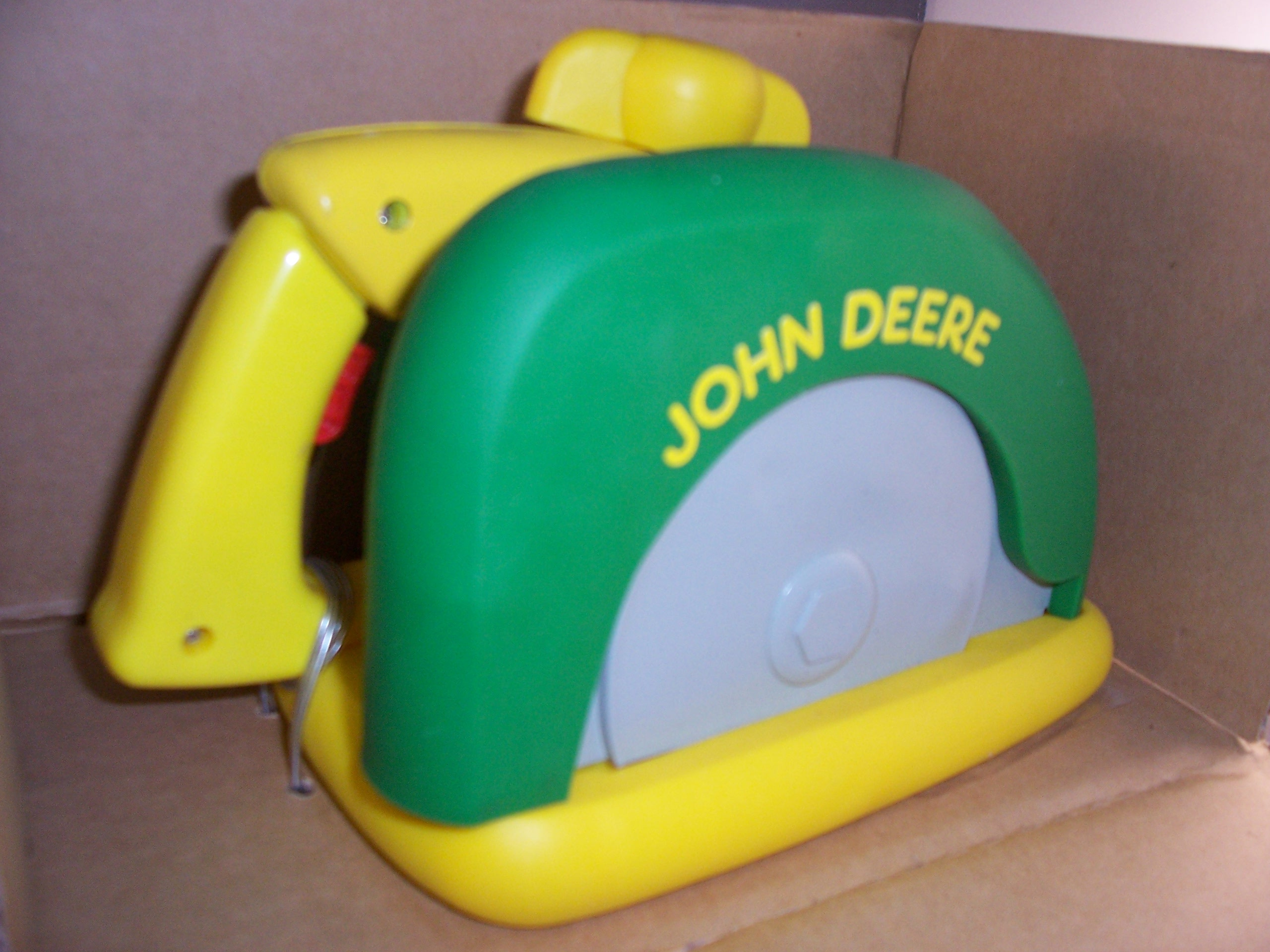 JD toy saw